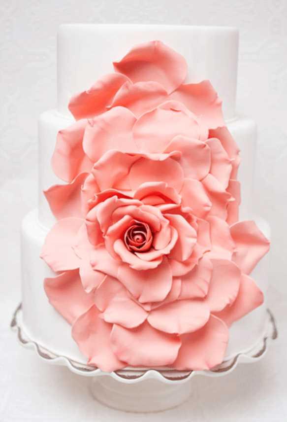 کیک عروسی بهاری در پاییز