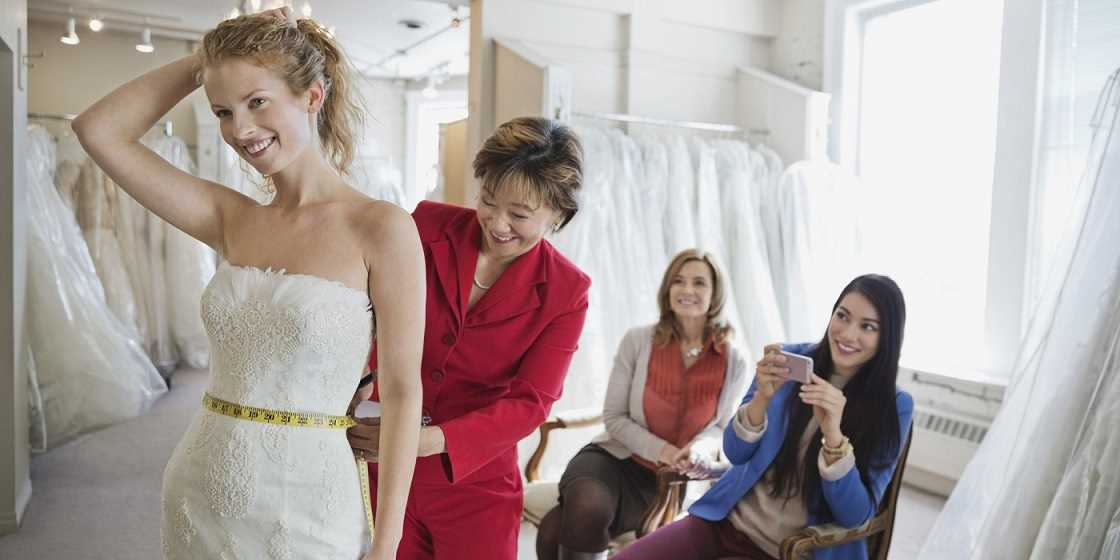 خرید لباس عروس را بدون استرس تجربه کنید