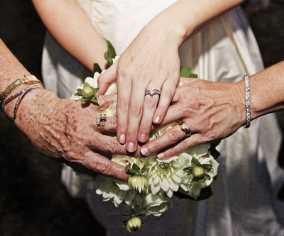 ژست هایی منحصر به فرد برای عکس عروسی