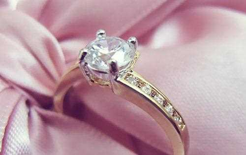 خرید انگشتر نشان برای عروس