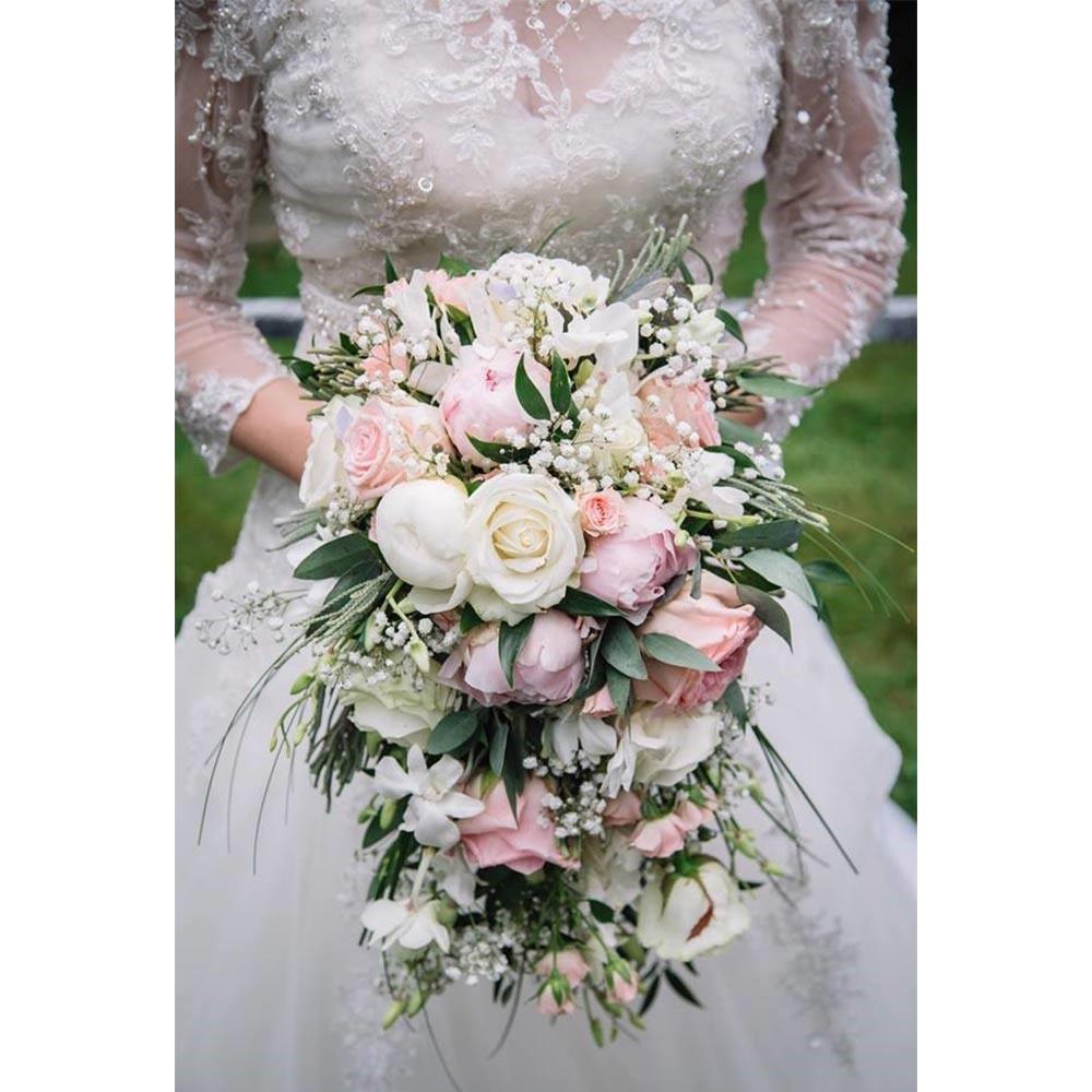 دسته گل آبشاری سفید و هلویی