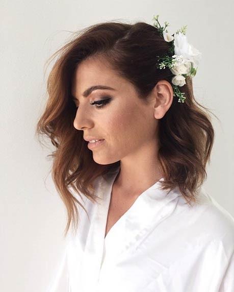 مدل موی عروس موج دار تا سر شانه + گل