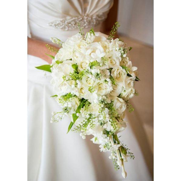 دسته گل آبشاری سفید