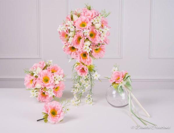 دسته گل آبشاری صورتی زیبا