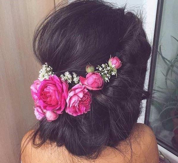 مدل موی جمع رمانتیک با گل