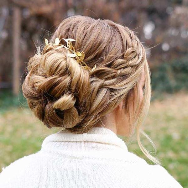 مدل موی جمع شینیون بزرگ برای موهای بلند