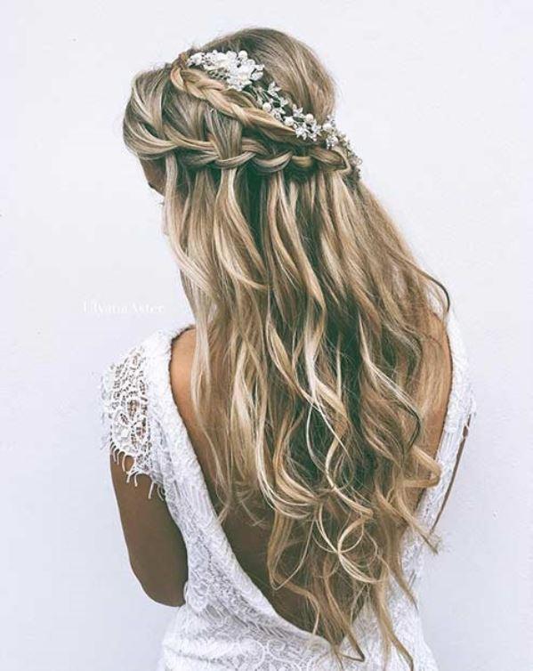 مدل موی عروس نیمه باز با بافت