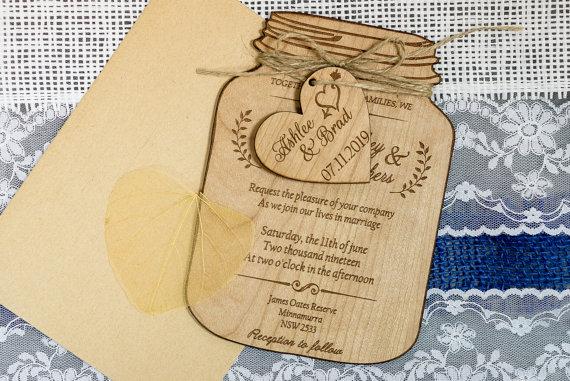 کارت عروسی چوبی طرح شیشه مربا