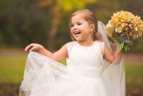 دختر 5 ساله به آرزویش رسید و عروس شد