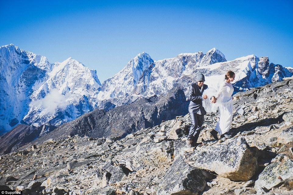ازدواج زوج استرالیایی؛ هوای سرد اورست