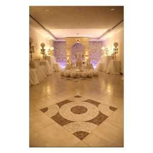 فضای سالن برای عقد و سالن مهمانان