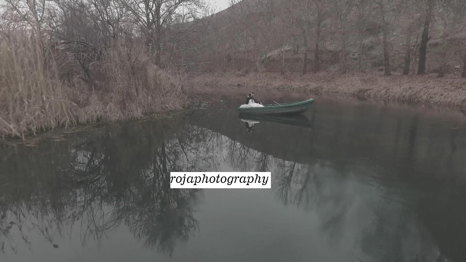 استودیو عکس و فیلم روجا | قایق سواری