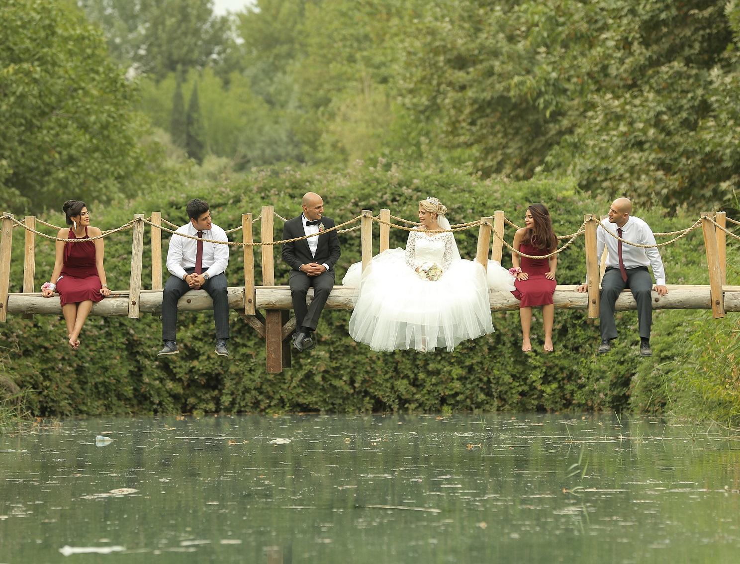 آتلیه عکس و فیلم سرو | عروس داماد و ساقدوش