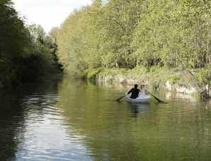 آتلیه عکس و فیلم سرو | قایق سواری عروس داماد