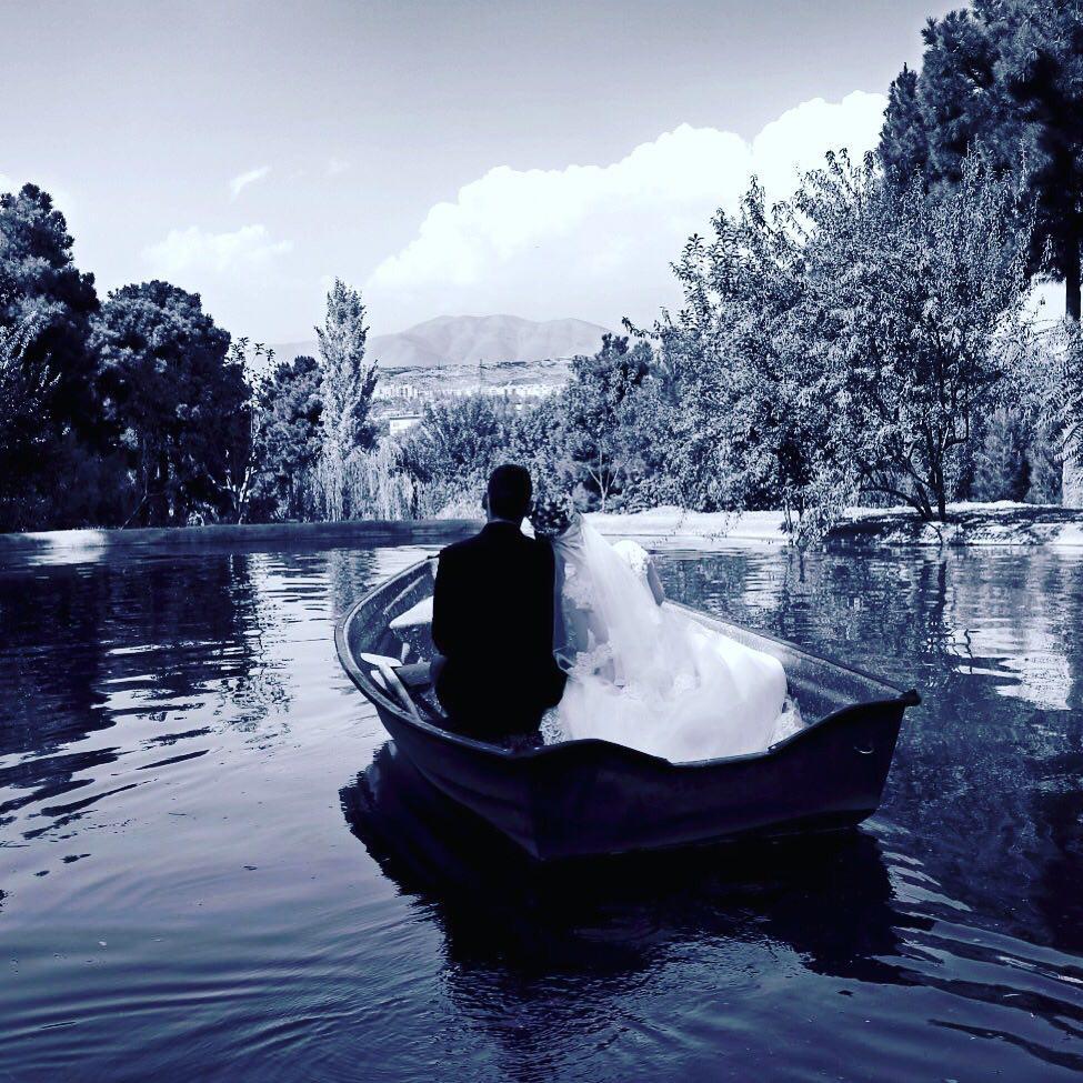 آتلیه لحظه های ماندگار   عکس عروسی در قایق